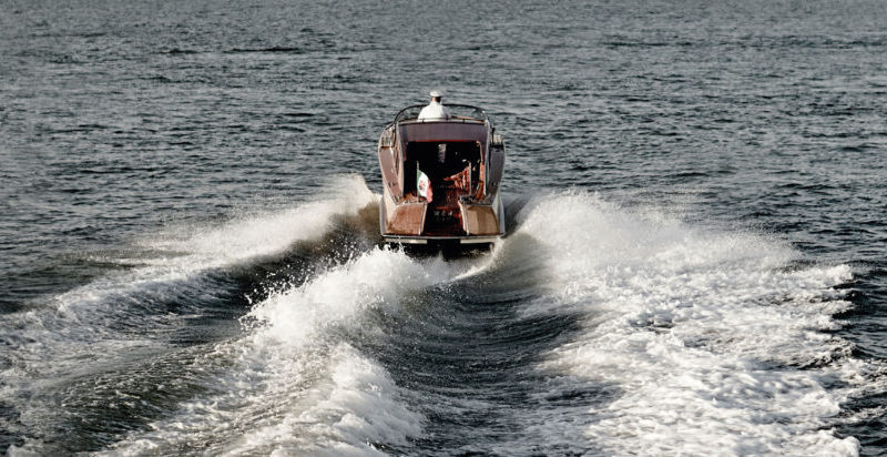 water-limousine-1
