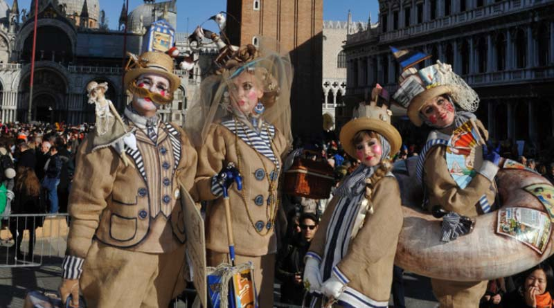 Carnival, amongst history, tradition and entertainment